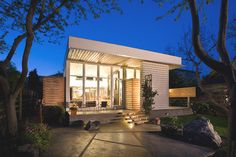 modern exterior by Paul Welschmeyer ARCHITECTS & energy consultants