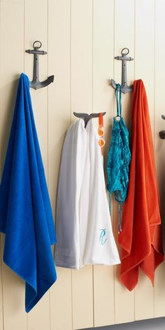 These Whale Tail Hooks are designed to eliminate all types of poolside clutter.