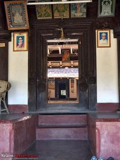 Ancient Homes of India Village House Design, Village Houses, Big Houses, Syrian Christians, Kerala Architecture, Kerala Houses, Apartment Complexes, Home Goods, Restoration