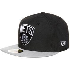 59FIFTY NBA Basic Brooklyn Nets Cap    Diese klassische Basecap ist seit Jahren eine der angesagtesten in ihrem Segment und wird nicht nur von NBA-Fans heftig umworben.     Ein aufgesticktes Teamlogo vorne bringt deine Zugehörigkeit zu den Brooklyn Nets zum Ausdruck. Die Cap ist hinten geschlossen und präsentiert sich in verschiedenen Größen, damit auch für jede Kopfform etwas dabei ist.    Ver...