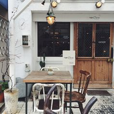 café's terrace | wooden door | vintage furnitures