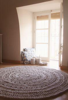 Szydełkowany dywan może być znacznie, znacznie większy.