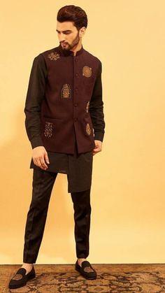 Mens Indian Wear, Indian Groom Wear, Indian Men Fashion, Big Men Fashion, Mens Fashion Suits, Fashion Pants, Wedding Kurta For Men, Wedding Dresses Men Indian, Wedding Dress Men
