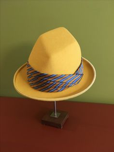 Men's hat by Cristina de Prada.