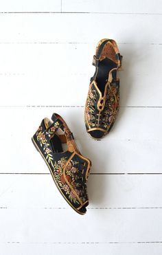 Madame Butterfly wedges vintage 1930s silk shoes by DearGolden