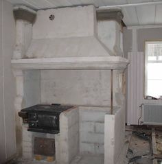ÄLVGÅRDEN: murad spis Interior, Italian Home, Cob House, Home Decor, Interior Garden, Country Kitchen, Home Diy, Indoor, Fireplace