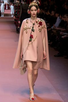 whore-for-couture:  runwaymoments:  Mona Matsuoka for Dolce & Gabbana FW15   Haute Couture blog :)