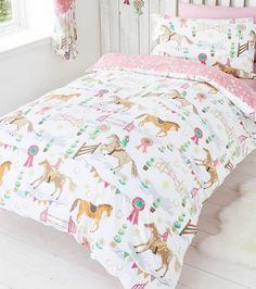 Horse Show Double Duvet | Girl's Pony and Horse, Gymkana Themed Bed Linen.