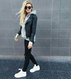 Amei! Moleton e jaqueta Jeans e tênis branco