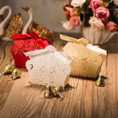 (50 pieces/lot) Red Champagne White Color Hollow Out Wedding Candy Box Birthday Gift Box For Wedding Party Decoration CT057