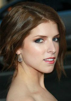 Anna Kendrick < into the woods << pitch perfect <<< pitch perfect 2 Anna Hendricks, Most Beautiful Hollywood Actress, Scott Pilgrim, Elizabeth Gillies, Pitch Perfect, Beautiful Asian Girls, Beautiful Women, Celebs, Celebrities