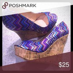 ShoeDazzle Wedge Heels Never worn 💋 super cute chevron print 💋 cork wedge Shoe Dazzle Shoes Wedges