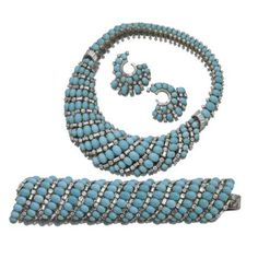 I could look at turquoise jewelry all day long!!