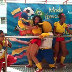lepo lepo do fuleco. [clica na imagem pra ver o vídeo) #copadomundo #copa2014 #worldcup #tatendomuitacopa