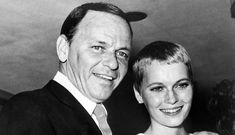 Mia Farrow admits Frank Sinatra could be father of her son NOT Woody Allen Legendary Singers, Famous Singers, Vintage Photos Women, Photos Of Women, Frank Sinatra Wives, Nancy Sinatra, Mia Farrow Pixie, Woody Allen, Famous Couples