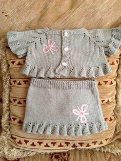 "diy_crafts- HUZUR SOKAĞI (Yaşamaya Değer Hobiler) ""Ravelry: Project Gallery for Blossom Bolero (baby & toddler sizes) pattern by StitchyMama"", Baby Knitting Patterns, Knitting For Kids, Easy Knitting, Baby Patterns, Dress Patterns, Knit Baby Dress, Knitted Baby Cardigan, Cardigan Bebe, Knitting Wool"