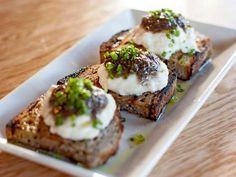 Burrata bruschetta, walnut bread, mushroom truffle honey