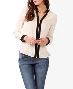 Contrast Cutout Collar Top | FOREVER 21 - 2027705608