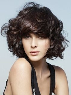 8 Amazing Short Curly Hairstyles