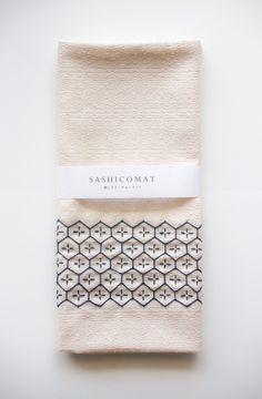 SASHICOMAT(刺し子ランチョンマット) | HandMade in Japan 手仕事の新しいマーケットプレイス iichi