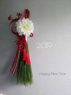 *arsuke*さんの投稿 #ダイオウショウ #大王松 #インテリア #植物のある暮らし #アーティフィシャルフラワーアレンジメント #ハンドメイド #花のある暮らし Chinese New Year Flower, Japanese New Year, Chinese New Year Decorations, New Years Decorations, Design Crafts, Diy Crafts, Japanese Culture, Ikebana, Floral Arrangements