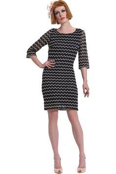 Φόρεμα πλεκτό με παγιέτα σε ριχτή γραμμή πάνω από το γόνατο με 3/4 μανίκια και ανοιχτή λαιμόκοψη