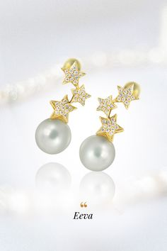 Predstavovaním typov perál, osádzaných v našich šperkoch, pokračujeme ich najvzácnejším druhom - perlami juhomorskými. Perlorodka Pinctada Maxima, v ktorej sa juhomorská perla rodí, je už podľa svojho názvu najväčšia ustrica, schopná produkovať perly. Štandardná veľkosť juhomorskej perly sa pohybuje v rozmedzí 8 – 20 mm a zo všetkých kultivovaných perál má práve tá juhomorská najhrubšiu vrstvu perlete. My sme ich nechali vyznieť v náušniciach Eeva. Pearl Earrings, Pearls, Jewelry, Pearl Studs, Jewlery, Jewerly, Beads, Schmuck, Jewels