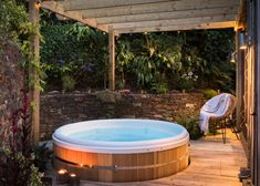 24 Cottages With A Hot Tub Ideas Hot Tub Holiday Cottage Cottage