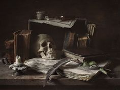 Vanitas (суета сует) - null Hades Aesthetic, Gothic Aesthetic, Dark Art Photography, Still Life Photography, Gothic House, Victorian Gothic, Dracula, Vanitas Vanitatum, Mushroom Art