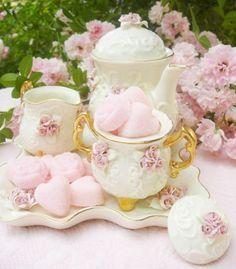 Lovely Pink Roses Tea Set