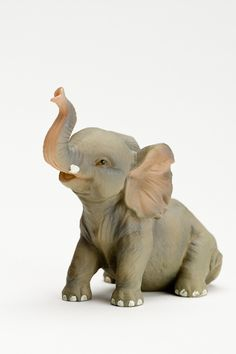 Elephant Trunk Up, Elephant Art, Baby Elephant, Elephant Sculpture, Sculpture Clay, Elephant Jewelry, Elephant Figurines, Prehistoric Animals, Animal Design