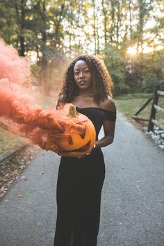 Halloween Photography, Autumn Photography, Creative Photography, Photography Poses, Halloween Photos, Halloween Fashion, Halloween Party, Halloween Makeup, Halloween Ideas