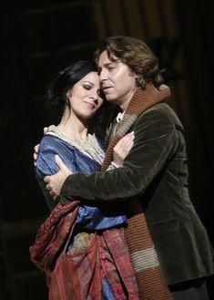Roberto Alagna as Rodolfo and Angela Gheorghiu as Mimi in La Bohème