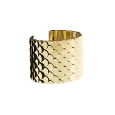 Reminiscent of 70s disco luxe styles, this adjustablefish scale cuff is a gorgeous statement piece.Antiqued Gold finish