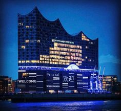 Night of the proms at a world premiere - the @Elbphilharmonie in #Hamburg celebrates its opening tonite! Including @bundeskanzlerin as a guest and many more. @fine_weddings is based in #hamburg and so proud of our cities new highlight #repos @elbphilharmonie #elbphilharmonie #fineweddings #hamburg