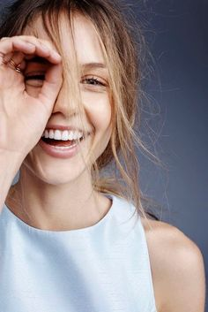About A Girl: Isabelle Cornish Beauty Makeup, Hair Makeup, Hair Beauty, Beauty Skin, Pretty People, Beautiful People, Chica Cool, Foto Casual, Beautiful Smile