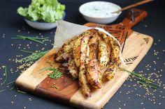Pomme de terre au four à la graine de lin et sauce au yaourt à la grecque