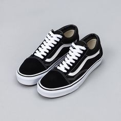 f52c695f07d461 The Vans Old Skool - the first shoe to bare the signature white stripe on  the