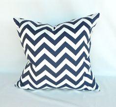 Natural/Navy Cushion