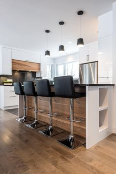 52 Ideas Kitchen Ideas Black Cabinets Hoods For 2019 Black Kitchen Cabinets black cabinets Hoods ideas kitchen Black Kitchen Cabinets, Black Kitchens, Cool Kitchens, Kitchen Black, Kitchen Soffit, Kitchen Linens, Kitchen Decor, Kitchen Design, Interior Design Living Room