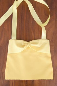 This easy to sew Belle (Beauty and the Beast) princess dress up apron would be the perfect handmade gift for a little girl. Free PDF sewing pattern plus lots of other princess dress up aprons. Princess Apron Pattern, Princess Aprons, Princess Dress Patterns, Princess Crafts, Princess Dress Up, Girls Dresses Sewing, Girls Dress Up, Sewing Patterns Free, Free Sewing