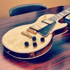 #Gibson Les Paul #Custom in #Natural. #guitar #lespaul