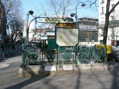Paris, Métropolitain, Entrée de la station Bolivar, arch. Hector Guimard