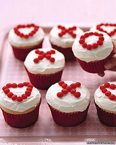 X's and O's Cupcakes