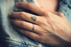 Ideen für kleine und individuelle Tattoos (für Frauen und Männer) 1/2 - HYYPERLIC.com