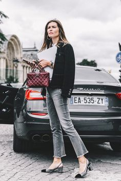 Right shape and color of jeans. Perfect look. Jacket, shoes, handbag, everything!