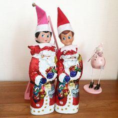 Nikolaustag  Bei uns werden in der Nacht zum Nikolaustag die Stiefel rausgestellt und am nächsten Tag ist etwas drin (hoffentlich)  Kinder heute kennen das mit der Rute gar nicht mehr  Als ich Kind war gab es sogar fertige kleine Ruten aus Reisig zu kaufen Ich hab die mir immer gewünscht weil da hingen ein paar Schächtelchen für den Kaufladen dran  Zu der Zeit meiner Mutter (geb. 1941) ging sogar noch der Knecht Ruprecht mit dem Nikolaus von Haus zu Haus und steckte in Kind auch schon mal… Knecht Ruprecht, Elf On The Shelf, Down Syndrom, Holiday Decor, Instagram, Home Decor, Dramatic Play, Pranks, Couple