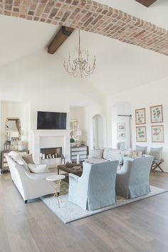30 White Living Room Ideas: 30 Elegant Farmhouse Living Room Decor Ideas In 2019 French Country Living Room, House Interior, French House, Country Living Room, Trendy Living Rooms, Farmhouse Living, Farm House Living Room, Living Room Paint, Country House Decor