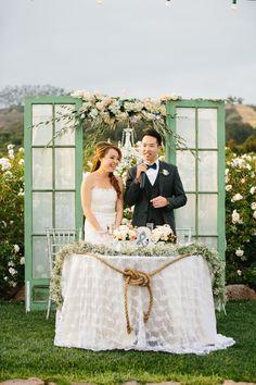 Outdoor sweetheart table ideas for a garden wedding