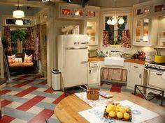 vintage style floor tiles   ... : Rockabilly and Vintage Lifestyle Blog: Hello Vintage Cosco Cart
